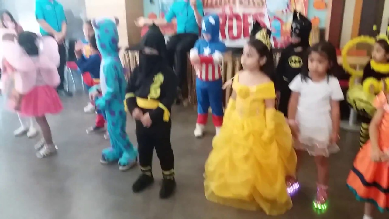 Costume party + baby shark dance - YouTube