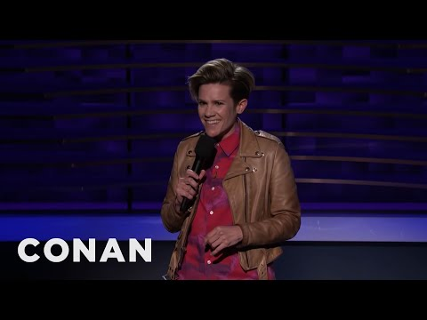 Cameron Esposito: Lonely To Exist Beyond The Edge Of The Beyoncé Catalog