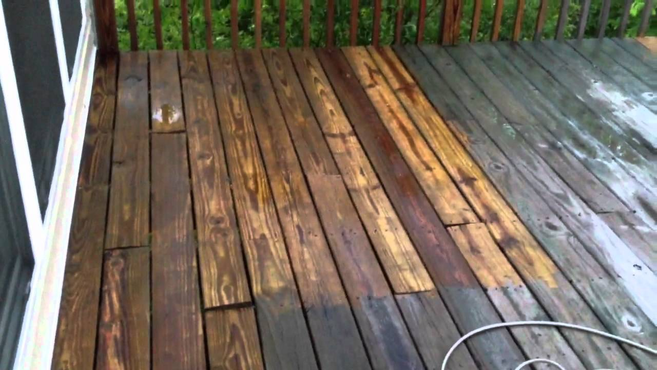 Cleaning My Deck With 1500 Psi Green Works Pressure Washer 2