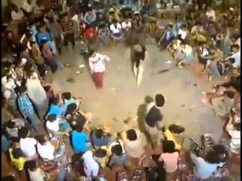 رقص شعبي عيال عدن رهيب جدا thumbnail