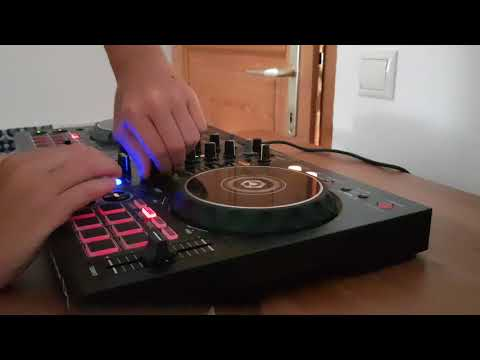 Mixing with the pioneer ddj 400      I m beginner