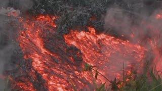 Lava flow speeds up, threatens Hawaiian town
