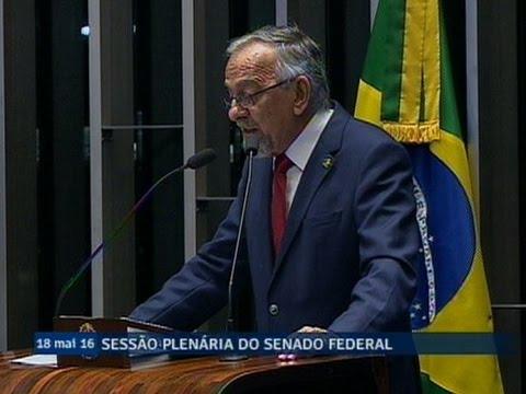 João Capiberibe diz que vê semelhanças entre Michel Temer e Deodoro da Fonseca