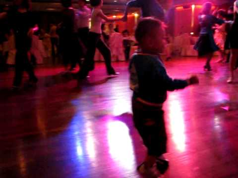 my 2 years old hip hop son (Queven chau)
