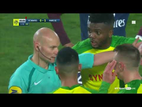 Crazy ref kicks and sends off player in french ligue 1