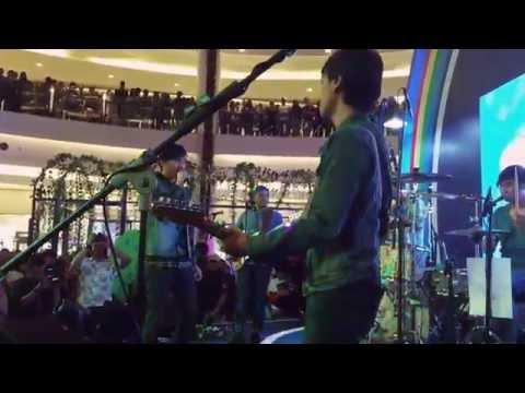 Ambilkan Bulan - Jangan Takut Gelap - Sheila on 7 Live at Kota Kasablanka