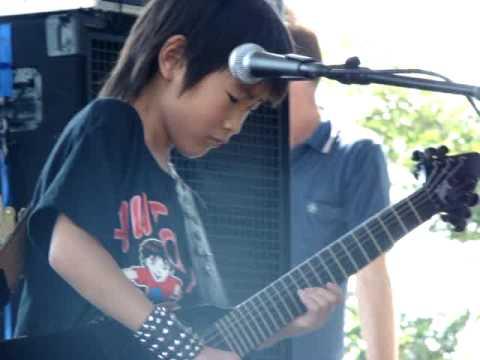 Yuto Miyazawa plays hendrix cover of 'The Star Spangled Banner