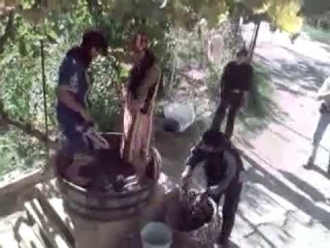 Смотреть видео три красивых девушки топчут сапожками раба фото 769-105