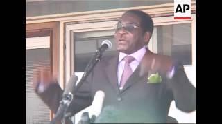 Mugabe return from UN, comments on land reform, MBeki