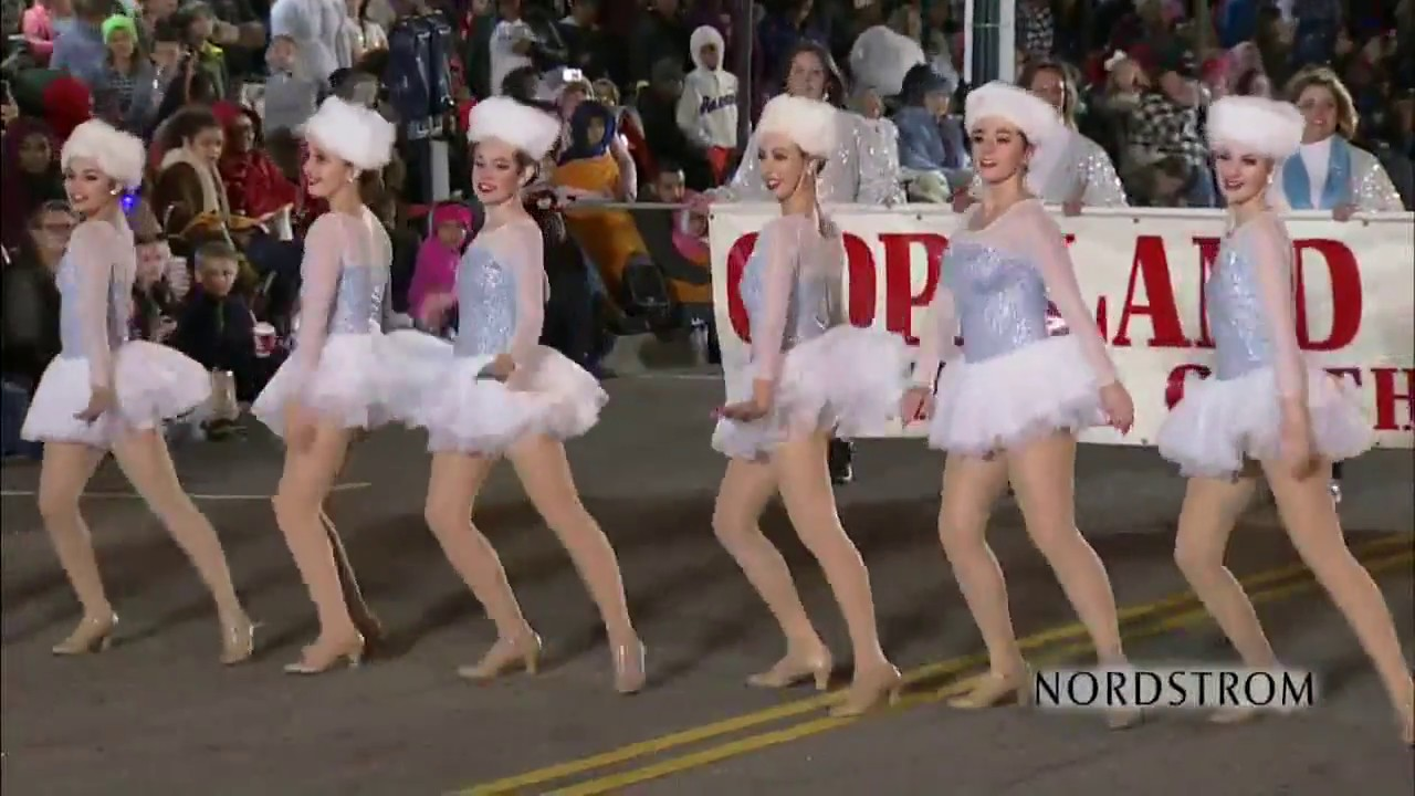 The 32nd Annual Grand Illumination Parade in Downtown Norfolk - YouTube