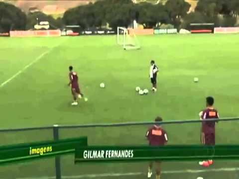 Ronaldinho has a great control of the ball