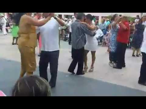 Danzon en zócalo de Acapulco