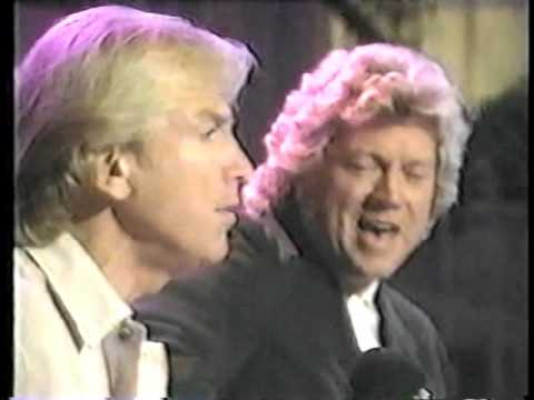 Justin Hayward & John Lodge  Nights In White Satin live acoustic
