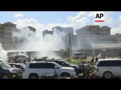 Police disperse crowd as Kenya's Odinga leaves scene