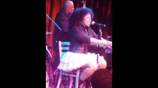 Monifah Carter singing CASANOVA BROWN
