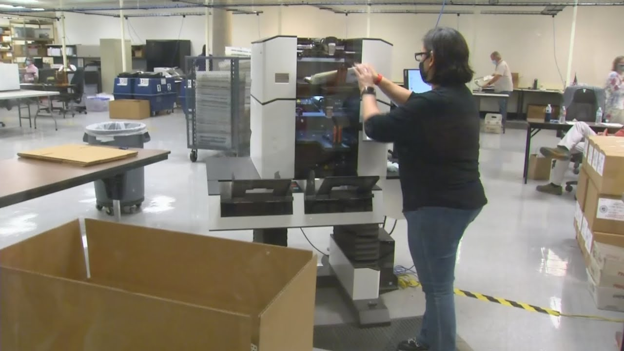 Download Maricopa County election officials continue to count ballots