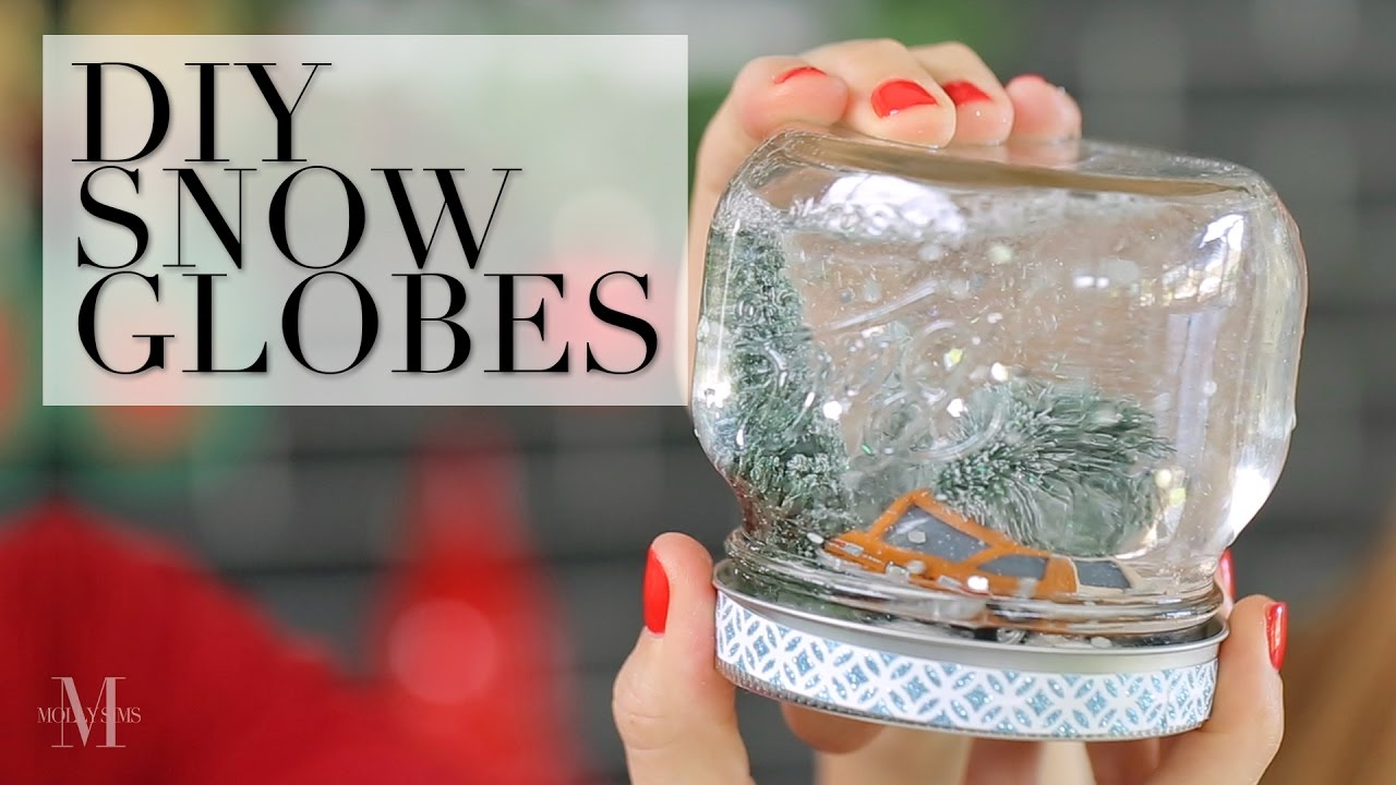 Christmas Snow Globes Diy.Make These Easy Snow Globes At Home For Christmas