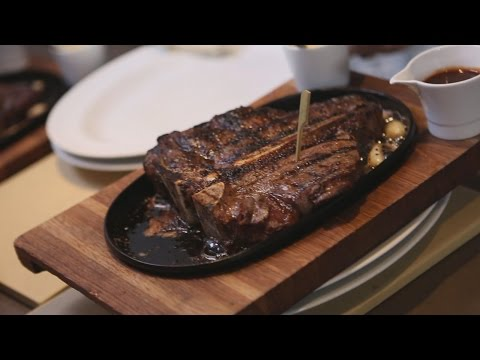 Beverly Wilshire, Beverly Hills (A Four Seasons Hotel) - Gourmet Dining at CUT by Wolfgang Puck