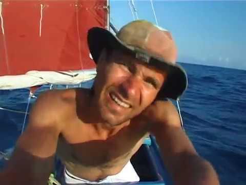 Arrandir - ensam över Atlanten i en hemmabyggd 4 meter lång segelbåt.