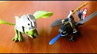 Игровой набор Dragons  Дрэгонс Беззубик и Иккинг против дракона Toy set How to train your dragon