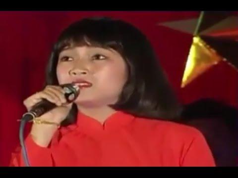 Trích đoạn bài hát: Biết ơn chị Võ Thị Sáu - Ca sĩ Thanh Thúy (Chương trình 40 năm một chặng đường)