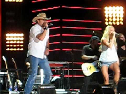 Carrie Underwood and Jason Aldean - Paradise City (2010 CMA Music Fest)