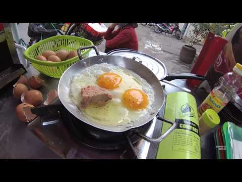 HCMC Vietnam Street Food Part.3 Pork Egg Bread Vietnam Breakfast With Jolie YN020582