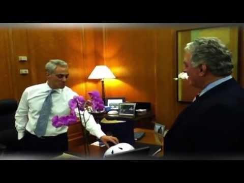 John Kass delivers gift to Chicago Mayor Rahm Emanuel
