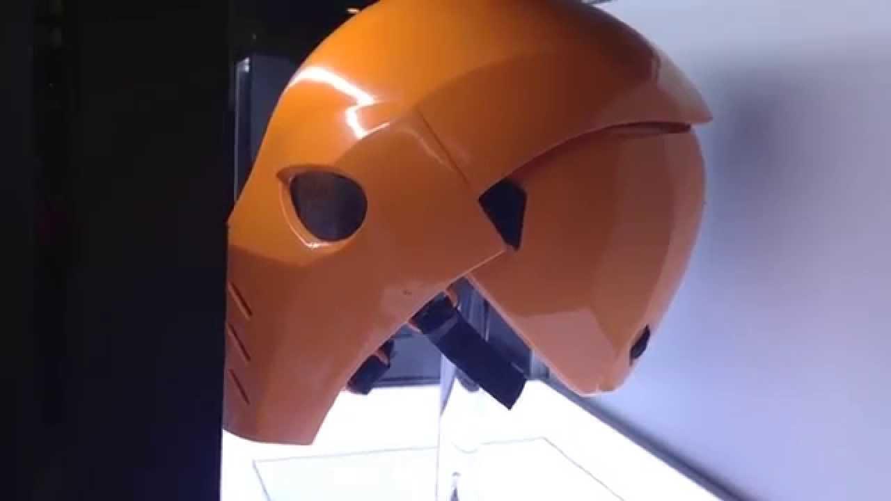 san diego comic con 2014 deathstroke mask from arrow