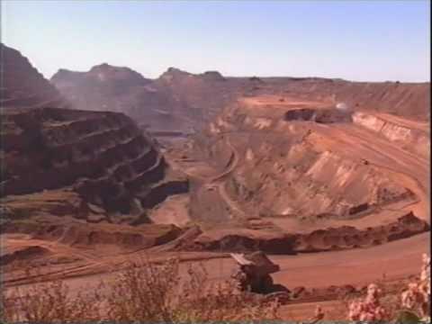 Newman Mining Trucks