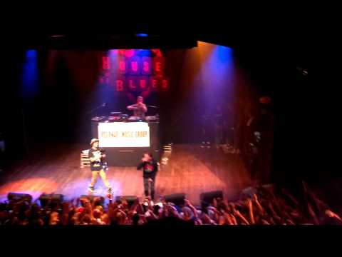 Logic - The Come Up / Walk On By Live