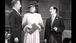Marx Brothers   The Big Store 1941 scene2