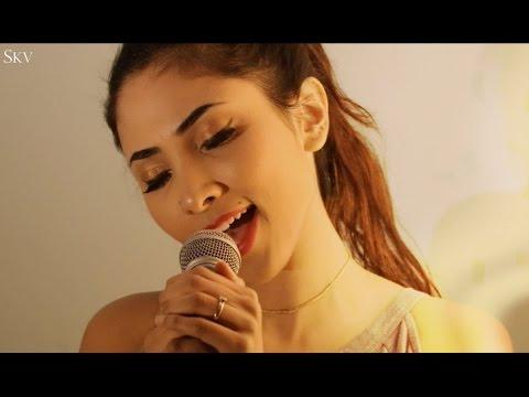aise-na-mujhe-tum-dekho---female-cover---suprabha-kv