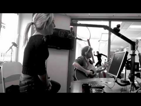 Carina Dahl Live Radio p4 Crash Test Dummy