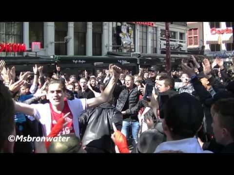 Ajax Fans feest en gezang  @ de leidseplein amsterdam