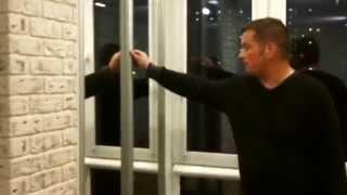 Объединение балкона с комнатой от компании Окна-РИК(Окна-РИК совмещение балкона с комнатой. Компания Окна-РИК предлагает французское или панорамное остеклен..., 2014-10-07T07:33:33.000Z)