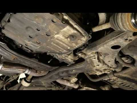 How to replace left and right drive axle Toyota Corolla  years 1990 to 2002