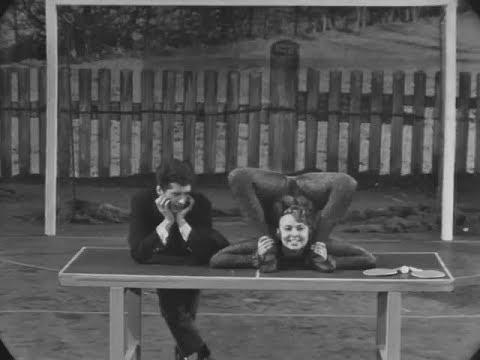 Herminka, contortion-singer / Kautschuk-Sängerin / певица-каучук, 1967