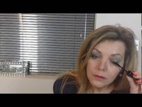 Makeup Tips: How to Have Younger Looking Eyes With Makeup Over 50