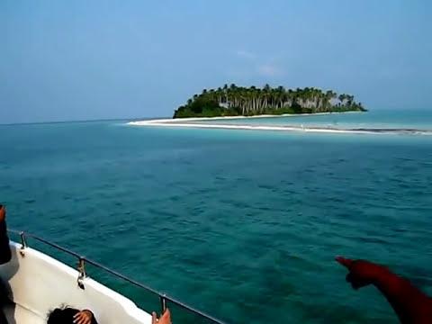 LauzZy_white @ PANAMPANGAN ISLAND (moon shape island)