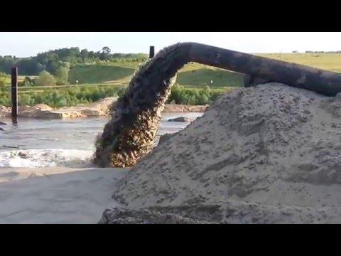 Добыча речного песка