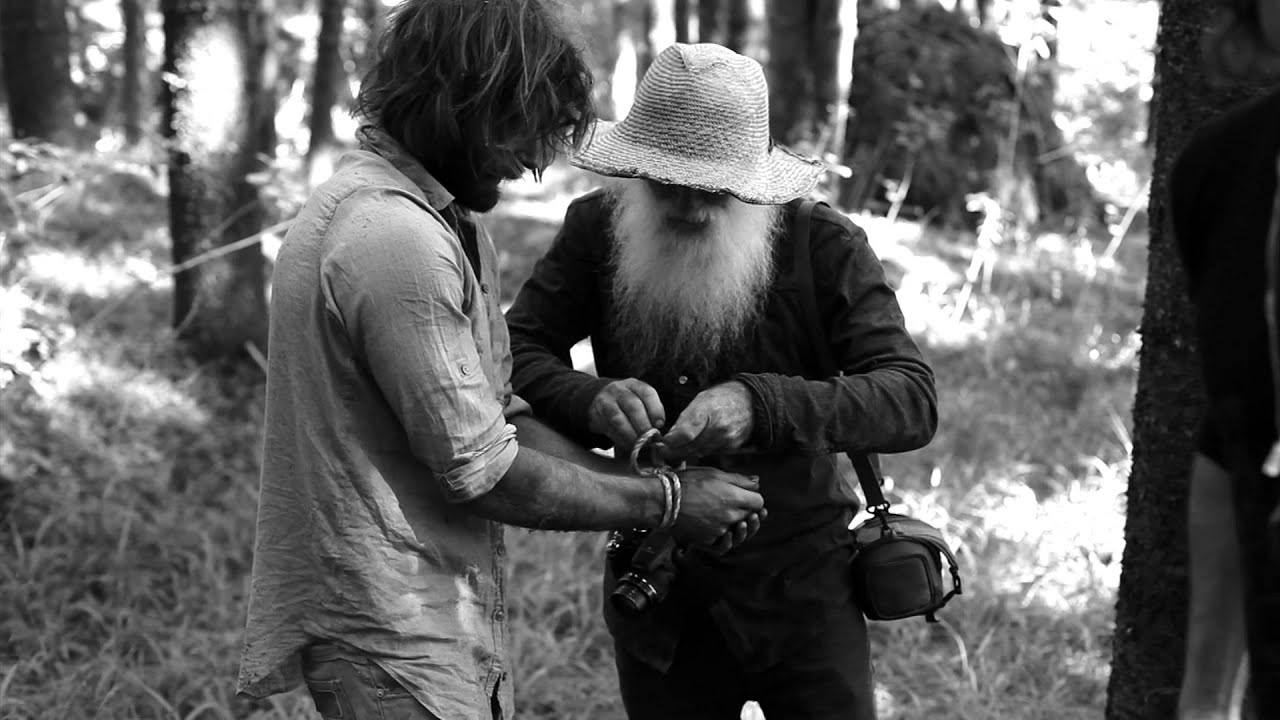 Angus Stone - Behind-the-Scenes of Monsters