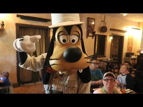 Goofy called me crazy! | Animal Kingdom Rumors | Tusker House | Pandora crowd level |