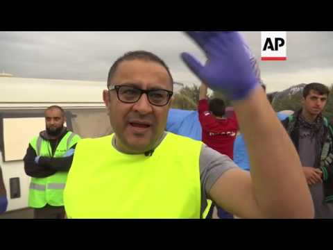 Volunteer doctors fill void in French migrant camp