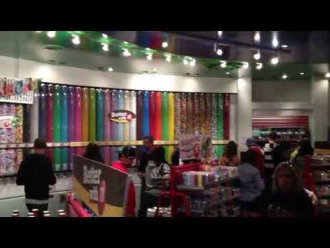 FULL Tour of M&M's World, Las Vegas