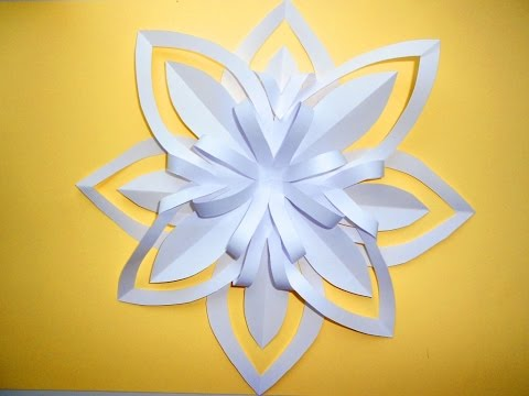 Volume snowflake out of paper. Christmas crafts