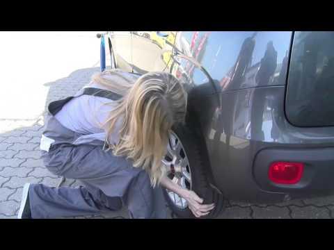 Gong 97.1  | Sabrina kannst du eigentlich...Reifen wechseln?