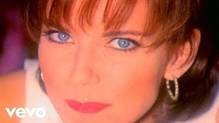 Martina Mcbride – My Baby Loves Me Video Thumbnail