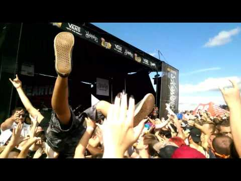 Beartooth - Hated [Live in Tinley Park] (watch in HD)