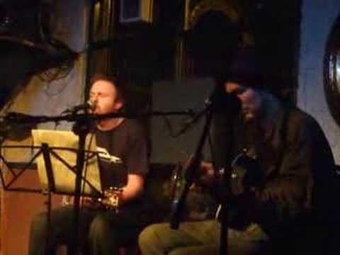 Frank Turner and Jonny Black playing Folsom Prison Blues